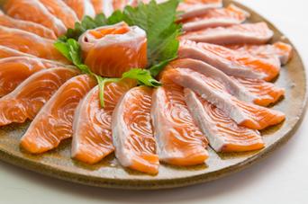 生食用ブランド銀鮭「銀王」冷凍フィレ(トリムE)